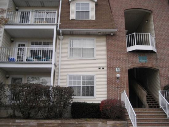 400 Crown Ct APT 551, Edgewater, NJ 07020