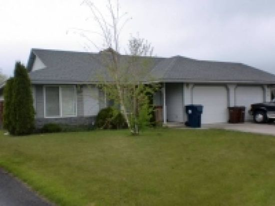 2119 SW Canyon Dr, Redmond, OR 97756