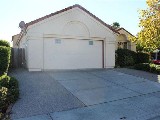 798 Shannon Dr, Vacaville, CA 95688