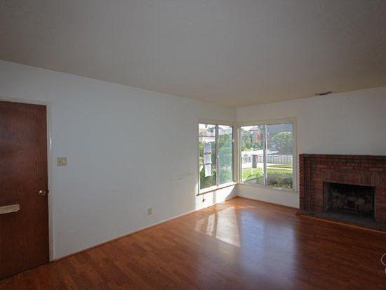 3529 Pine Ave, Long Beach, CA 90807