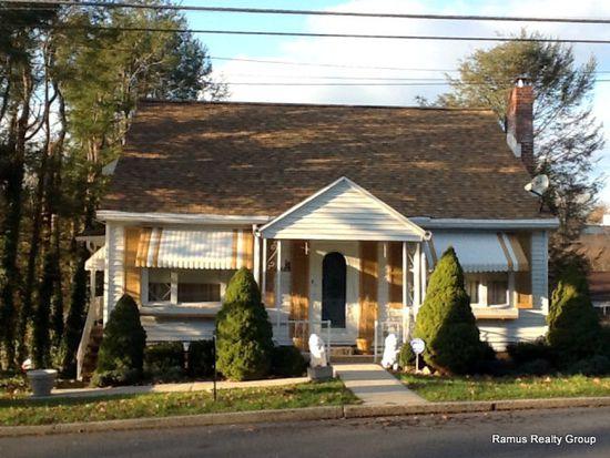 1798 1st Ave, Pottsville, PA 17901