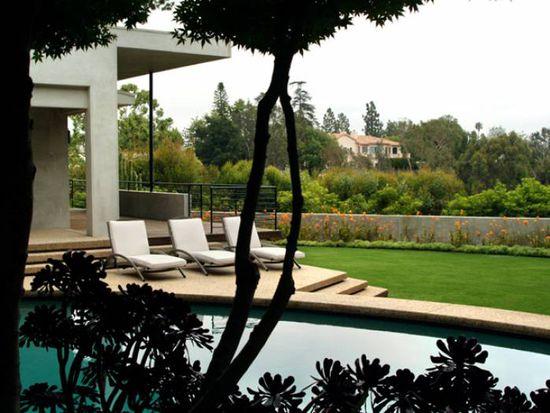 357 N Skyewiay Rd, Los Angeles, CA 90049