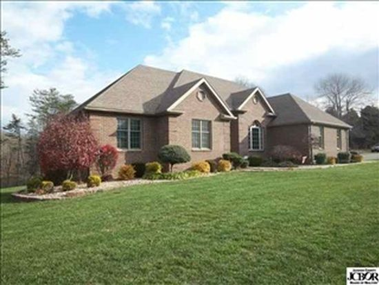 8179 Persimmon Lake Dr, Seymour, IN 47274