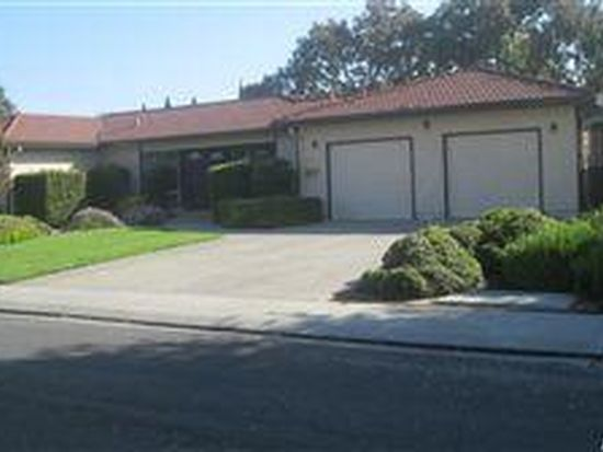 1916 Chester Dr, Tracy, CA 95376