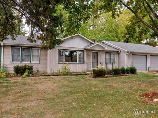 6714 Silver Lake Rd, Cary, IL 60013