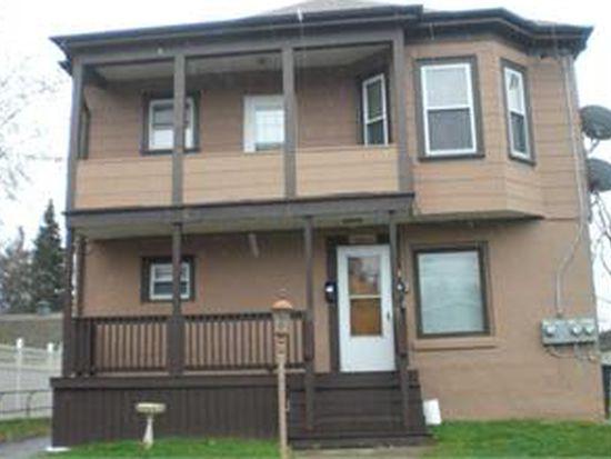 71 Metacomet Ave, Rumford, RI 02916