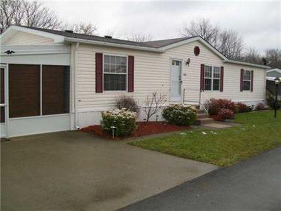 1127 Village Ln, New Castle, PA 16101