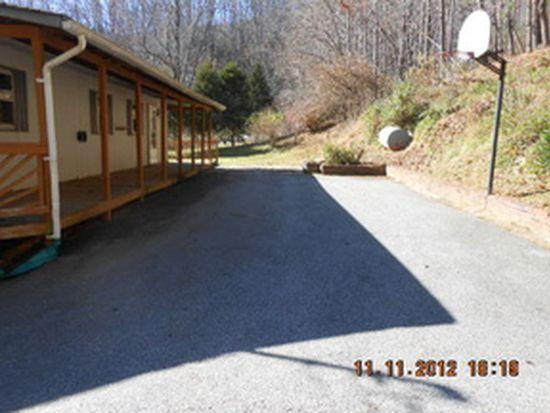 678 Pond Rd, Spruce Pine, NC 28777
