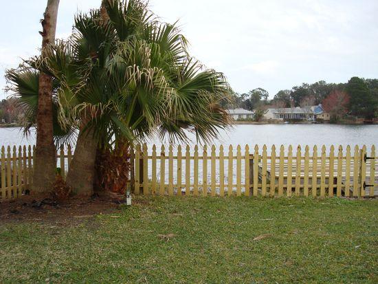 2675 Grampian Dr W, Jacksonville, FL 32216