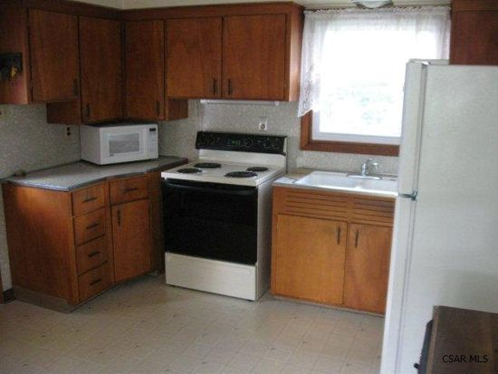 218 Luther Rd, Johnstown, PA 15904