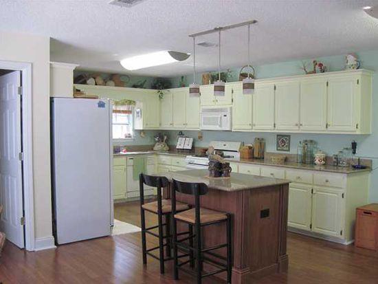 25 Bartlett Cir, Pensacola, FL 32505