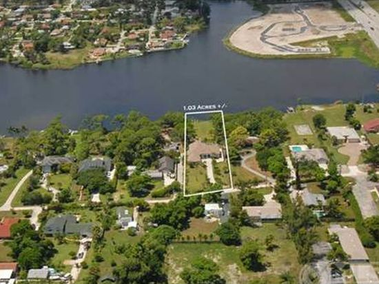 6091 Pine Dr, Lake Worth, FL 33462