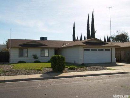 1421 Speer St, Oakdale, CA 95361