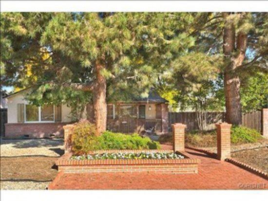 22701 Clarendon St, Woodland Hills, CA 91367