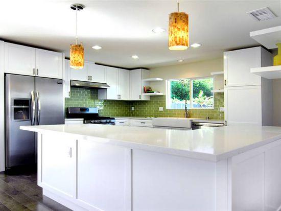 6437 Kessler Ave, Woodland Hills, CA 91367
