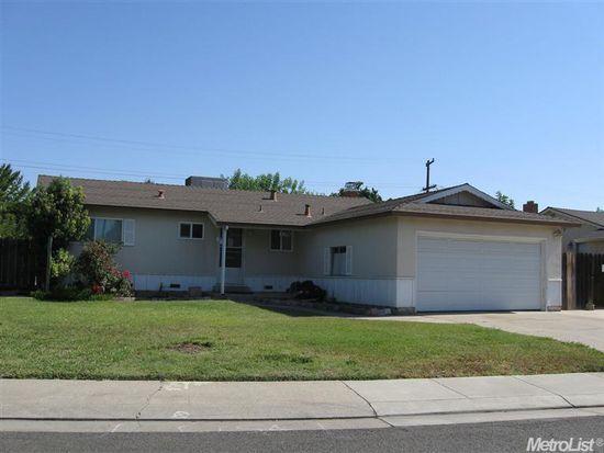 2206 Gardena Ave, Stockton, CA 95204