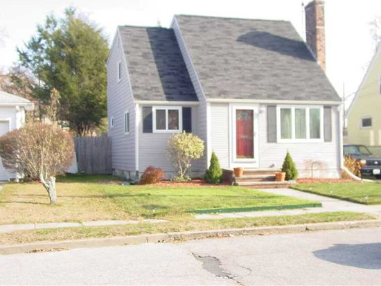 251 Ausdale Rd, Cranston, RI 02910