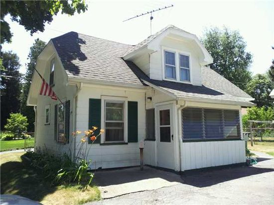 290 Chalford Rd, Greece, NY 14616