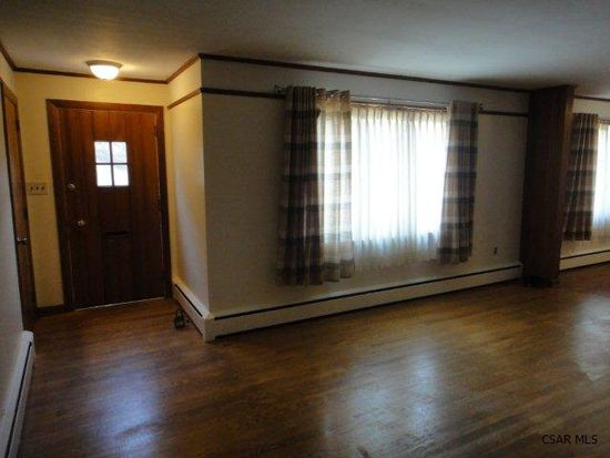 1910 Dundee Ln, Johnstown, PA 15905