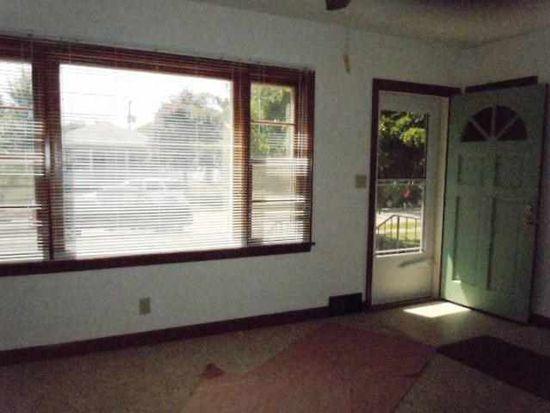 2708 Bellevue Ave, Bettendorf, IA 52722