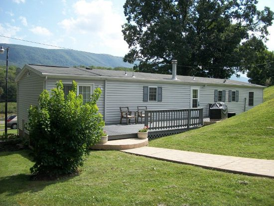 111 Homestead Rd, Bluefield, VA 24605