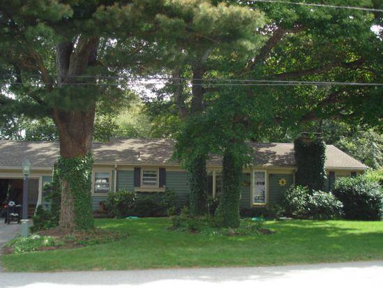 58 Landmark Rd, Warwick, RI 02886