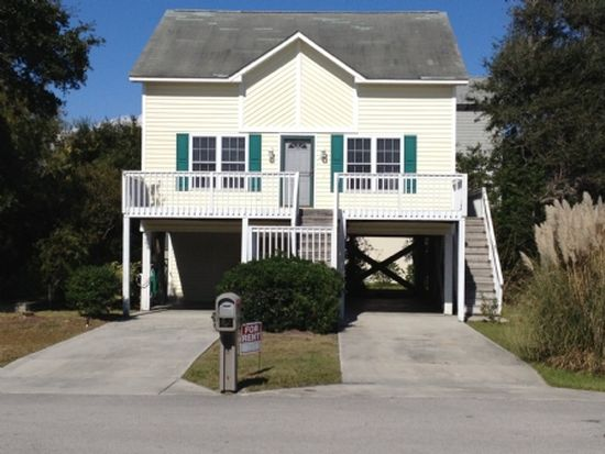 40 S Oak Dr, Surf City, NC 28445