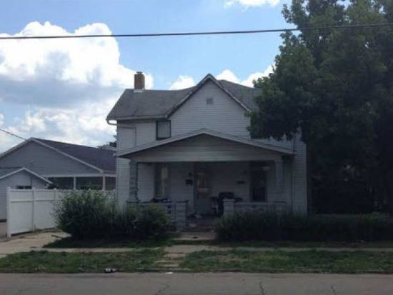 911 Chestnut St, Coshocton, OH 43812