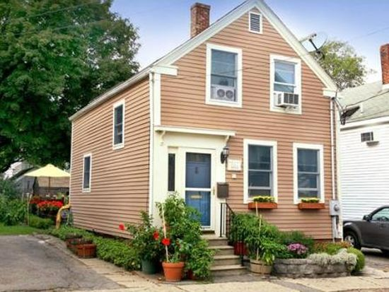 28 Carter St, Newburyport, MA 01950