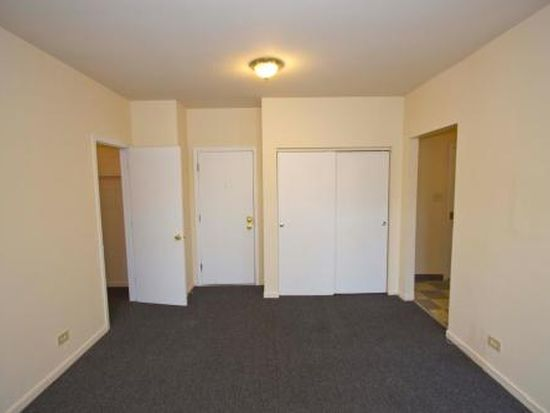 1236 E 46th St APT 202, Chicago, IL 60653