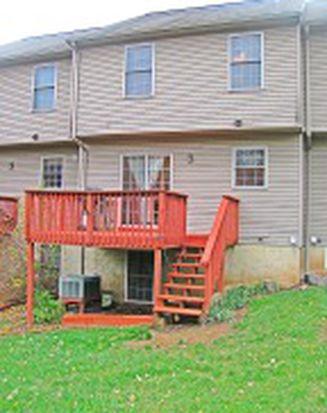 769 Knoll Dr, Mount Joy, PA 17552