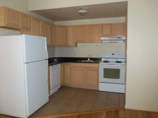 2431 Lakeview Ave APT 1D, Baltimore, MD 21217