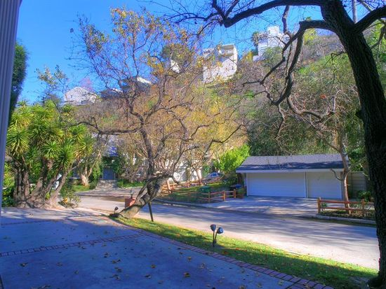 3805 Benedict Canyon Ln, Sherman Oaks, CA 91423