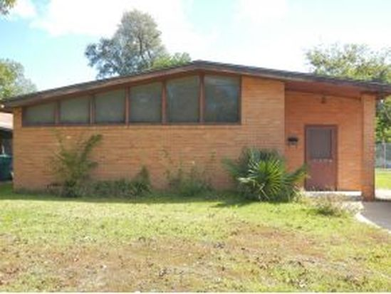 1204 9th St, Orange, TX 77630