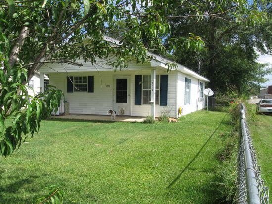 104 W Sycamore Ave, Foley, AL 36535