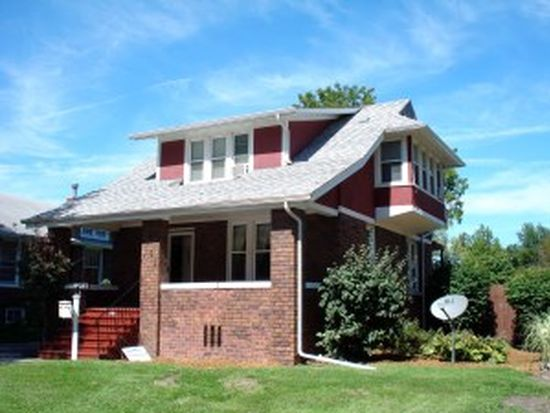 725 W Losey St, Galesburg, IL 61401