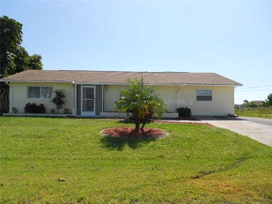 571 Lincoln Ave NW, Port Charlotte, FL 33952