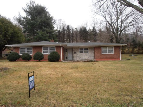 1445 Southview Dr, Bluefield, WV 24701