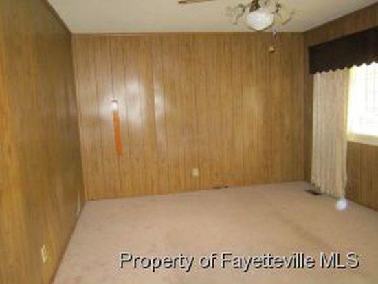 2610 Dumfries Dr, Fayetteville, NC 28306