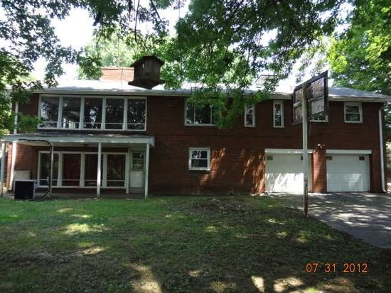 1118 Olympic Heights Dr, Pittsburgh, PA 15235