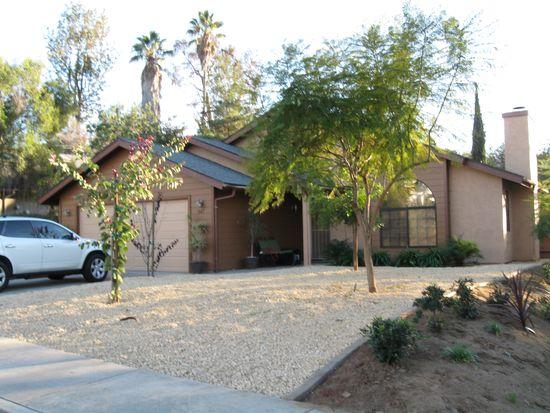 547 Rancho Vista Rd, Vista, CA 92083