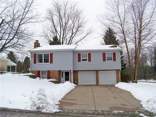 5306 Woodward Dr, Erie, PA 16509