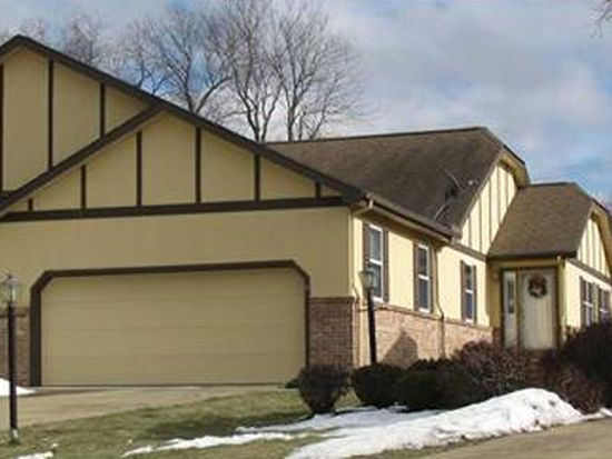 15 Tanglewood Dr, Greenville, PA 16125
