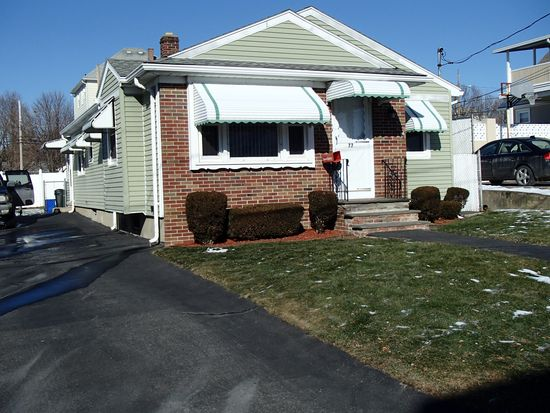 77 Lookout Ave, Cranston, RI 02920
