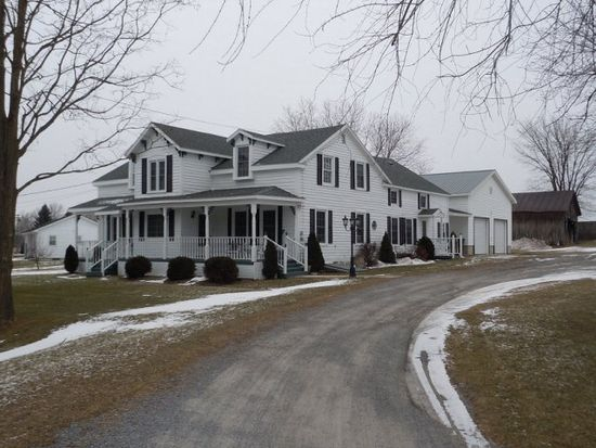 507 N Farm Rd, Chazy, NY 12921