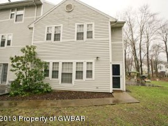 7 Allenberry Dr, Hanover Township, PA 18706