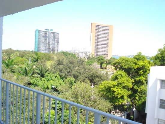 650 NE 64th St APT G603, Miami, FL 33138