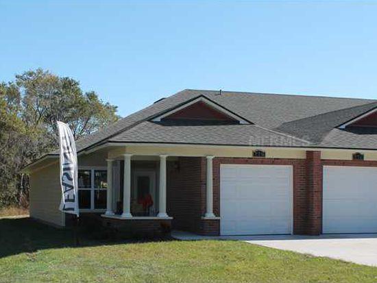 755 Hunter Creek Dr, Plant City, FL 33563
