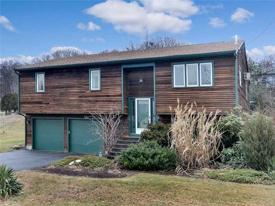22 Sprague Cir, Johnston, RI 02919