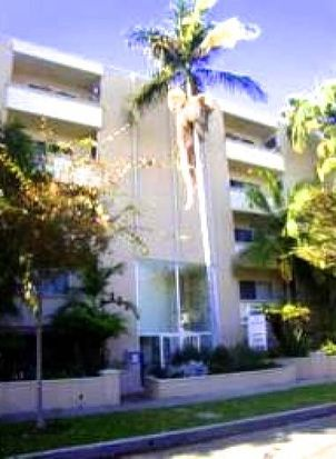333 S Reeves Dr APT 106, Beverly Hills, CA 90212